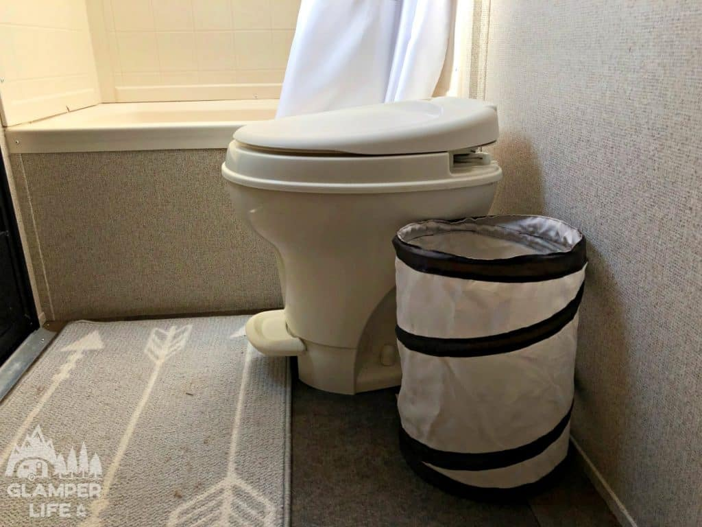 RV Collapsible Bathroom Trash Can